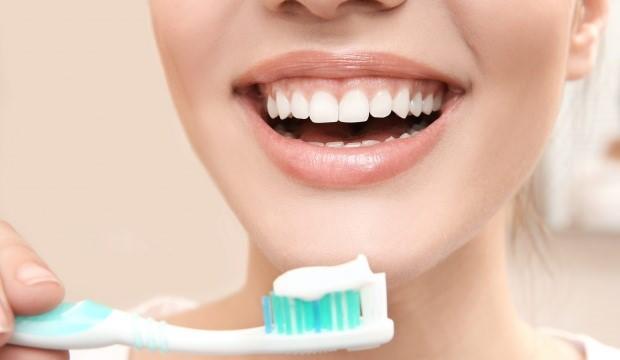 Diş ağrısına ne iyi gelir, nasıl geçer? Diş ağrısını geçirecek çözümler ve  evde tedavi yöntemleri